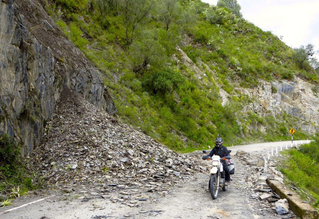 Foto 9 b. Obstaculos en la ruta -Perú