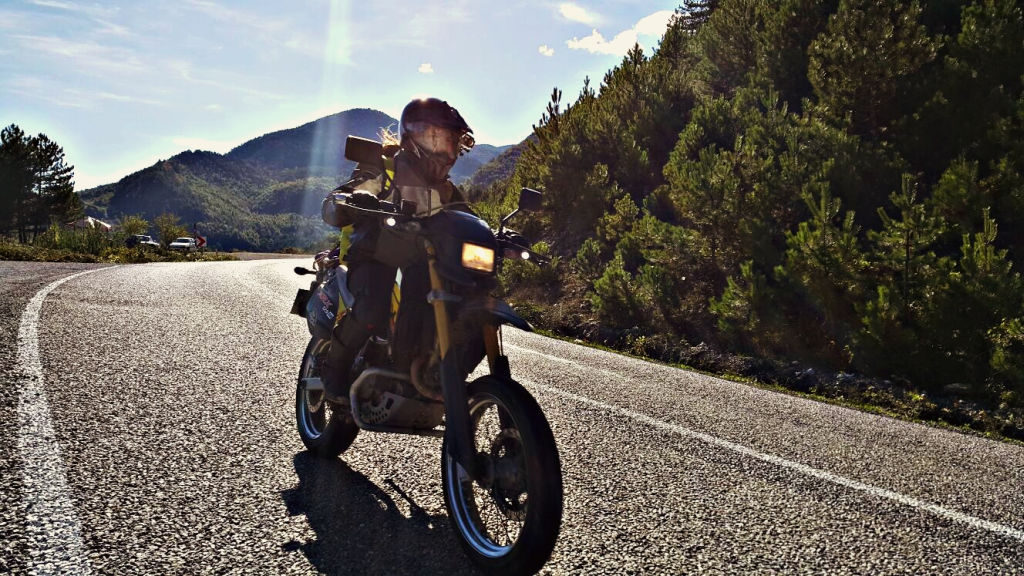 Women Who Ride: Gizem Özcan rides her Hyosung