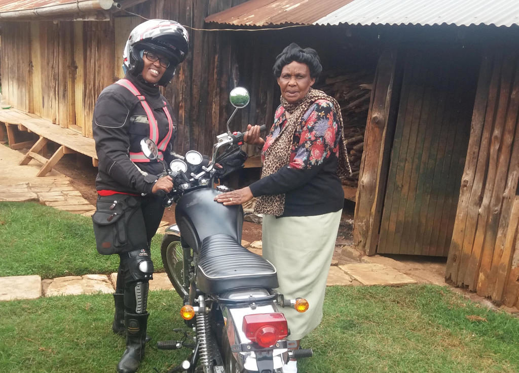 Wamuyu Ndarathi with her mother