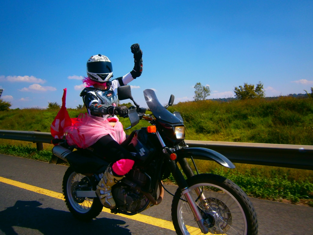 Women Who Ride: Skinny Van Schalwyck - the girl in pink
