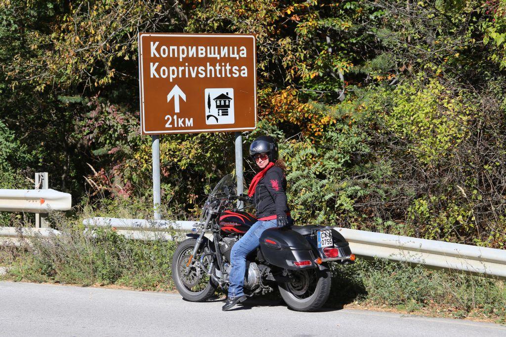 Violeta_On the road to Koprivshtitsa