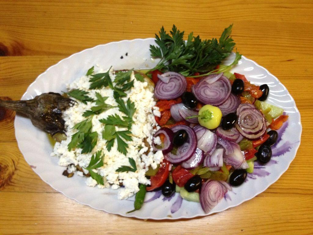 Violeta_Traditional BG Salad